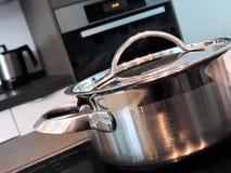 Kulinarny garnek lub kulinarna niecka Zdjęcia Royalty Free