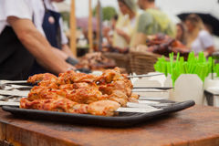 Kulinarny grill przy festiwalem uliczny jedzenie zdjęcie stock