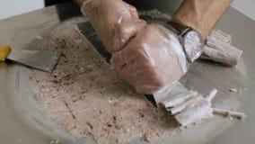 Kulinarny naturalny owocowy lody w Tajlandzkim stylu klamerka Robić lody rolkom z pasyjną owoc na zimno talerzu Robić lodowi zbiory