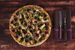 Kulinarny pizzy łasowanie Fotografia Royalty Free
