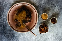 Kulinarny poj?cie z r??nymi typami czekolada zdjęcia stock