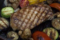Kulinarny stek i pieczarki obraz stock