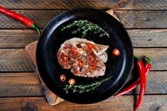 Kulinarny stek z macierzanką i chili zdjęcie royalty free