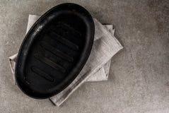 Kulinarny tło z pustą niecką fotografia royalty free