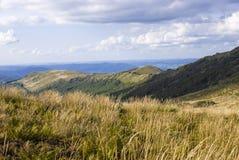 Kullar av Bieszczady berg Arkivfoton