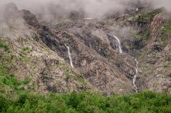 Kullar med vattenfall Royaltyfria Bilder