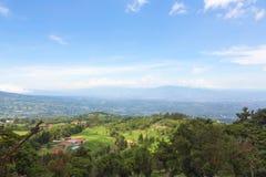 Kullar och berg i Costa Rica Royaltyfria Bilder