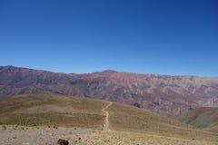 Kulle för färger för Cierro 14 colores fjorton - humahuaca, nord eller Argentina royaltyfria foton