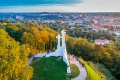 Kulle för tre kors i den Vilnius antennen Royaltyfri Fotografi