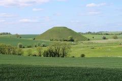Kulle Wiltshire England för krita för Silbury kulle förhistorisk konstgjord Arkivfoto