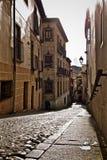 Kullerstengata i Toledo Spain Arkivbild