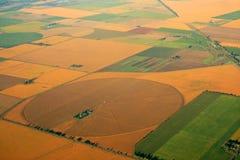 Kultiverad jordbruksmark royaltyfria bilder