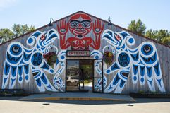 Kulturell ` för Quw `-utsun och konferensmitt, Vancouver ö, Kanada Royaltyfri Fotografi