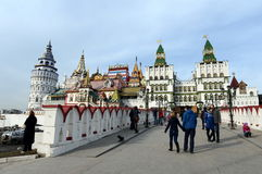 Kulturell-Unterhaltung komplexes ` der Kreml in Izmailovo-` stockfotos