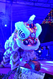 Kulturella Lion Dance i Illuminence Royaltyfri Foto