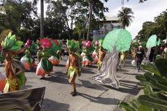 Kulturelle Tanz-Parade Buglasan-Festival-2014 Lizenzfreie Stockbilder