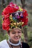 Kulturellt Tharu program Chitwan 2013, Nepal royaltyfri bild