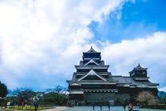 Kumamoto, Japan-13 Januari: Er is toeristenbezoek in Kumamoto-Kasteel Royalty-vrije Stock Foto's