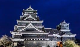 Kumamotokasteel bij Nacht in Kumamoto, Noordelijke Kyushu, Japan Stock Foto