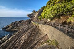 Kumano, Япония на утесах Onigajo Стоковое Фото