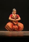 Kumari Sharanya führt Bharatanatyam Tanz durch   Stockbilder