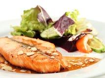 kumberlandów piec na grillu łososiowi warzywa Obraz Royalty Free