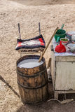 Kumis- A traditionell Kirgiz drink arkivbild