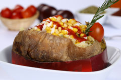 Kumpir - Turkish испеченная смешанная картошка Стоковая Фотография