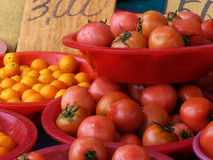 Fruto no mercado exterior Foto de Stock Royalty Free