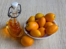 Kumquats - härliga soliga gåvor från Grekland Arkivfoto