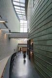 KUMU-modern konstmuseum i Tallinn, Estland arkivbild