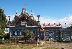 KUNARA SVERDLOVSK REGION, RYSSLAND - JUNI 15, 2016: Foto av den Terem hovslagaren Kirillov Arkivfoto