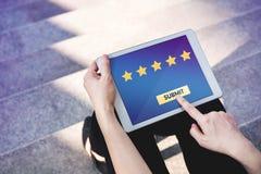 Kunden-Erfahrungs-Konzept, beste ausgezeichnete Dienstleistungen, die für veranschlagen Stockbilder