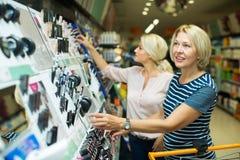 Kunden im Schönheitsabschnitt Stockbild