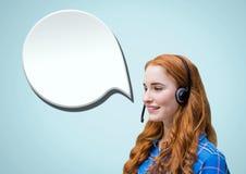 Kundenbetreuungsservice-Frau mit Chatblasen Stockfotos