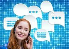 Kundenbetreuungsservice-Frau mit Chatblasen Lizenzfreie Stockfotos