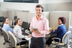 Kundendienst-haltener ExekutivTablet-Computer Lizenzfreies Stockfoto