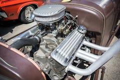 Kundengebundener Muskelautomotor angezeigt Lizenzfreies Stockbild