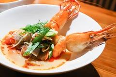 Kung da sopa ou do tom do camarão yum fotos de stock royalty free