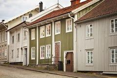 Kungalv historische huizen stock afbeeldingen