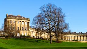 Kunglig Crescent Bath England landskappanorama Arkivbild