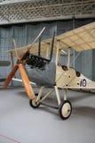 Kunglig flygplanfabrik R E sikt för motor för spaningsplan för 8 två-Seat kår Royaltyfri Foto