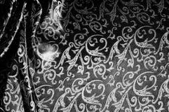 kunglig monogram för siden- torkduk svart white Guld och lyx är Fotografering för Bildbyråer