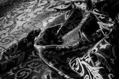 kunglig monogram för siden- torkduk svart white Guld och lyx är Royaltyfri Bild