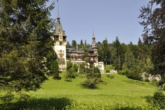 Kunglig Peles slott från Sinaia i Rumänien Arkivbild