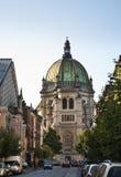 Kunglig personkyrka av St Mary i Schaerbeek bryska _ arkivfoton