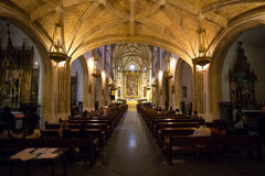 Kunglig personkyrka för St Geromimo på en vårdag, Madrid Arkivbilder