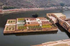 Kunglig personträdgård av Amber Fort nära Jaipur Indien Royaltyfri Fotografi