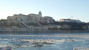 Kunglig slott av Budapest i vinter Fotografering för Bildbyråer