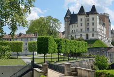 Kunglig slott i den franska staden Pau Arkivbilder